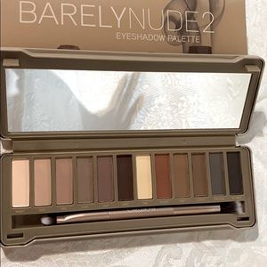 Beauty Creations Barely Nude 2 eye palette